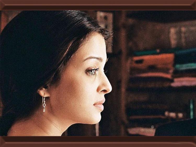 Aishwarya Rai Innocent Look Film Pic