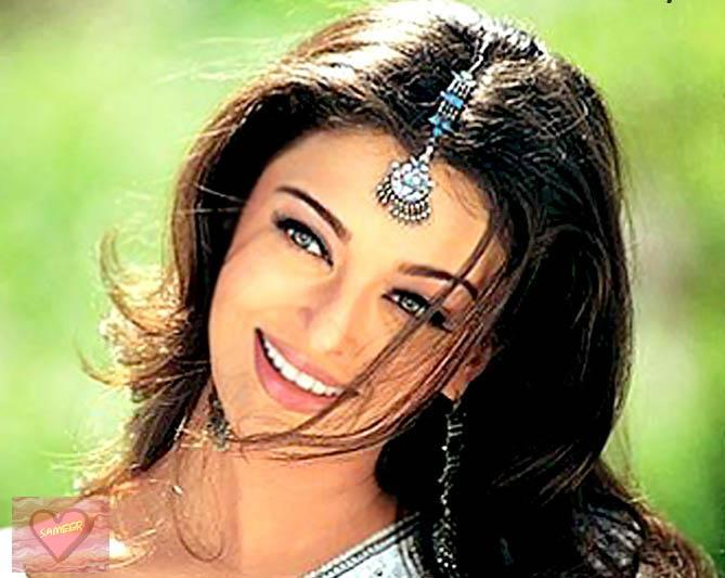 Aishwarya Rai Latest Sweet Smiling Face Still