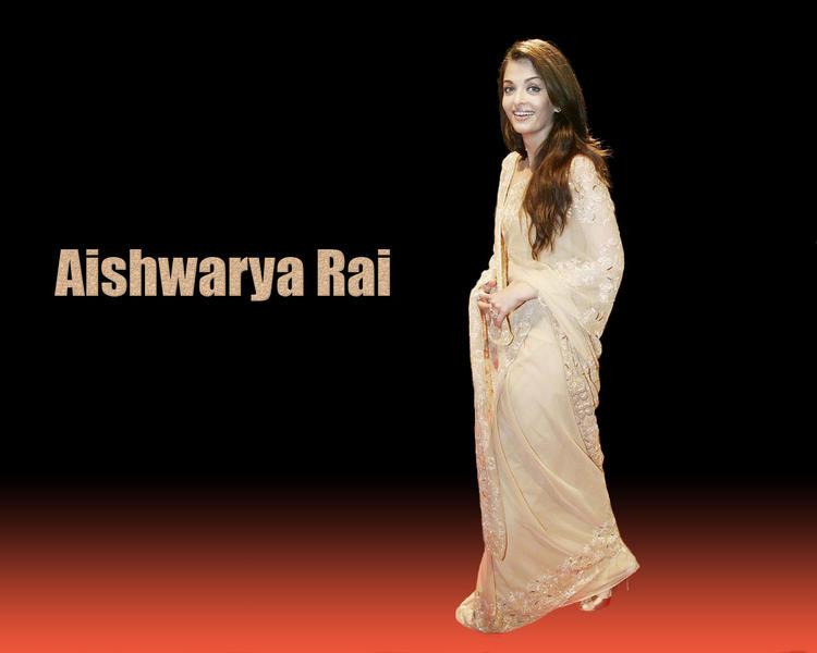 Aishwarya Rai Latest Wallpaper In Saree
