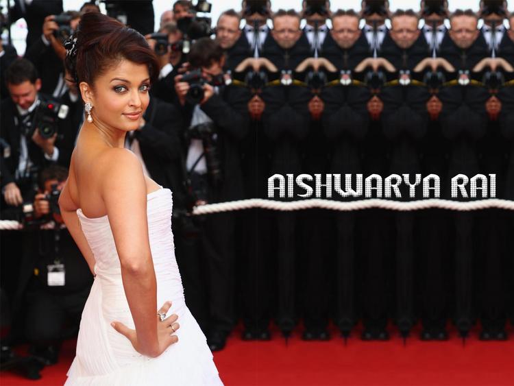 Aishwarya Rai Latest Wallpapers at Cannes