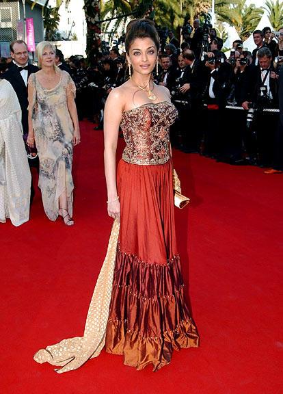 Aishwarya Rai Looking Beautiful at Cannes