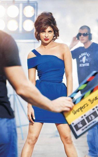 Priyanka Chopra Awesome Look In Blue Dress