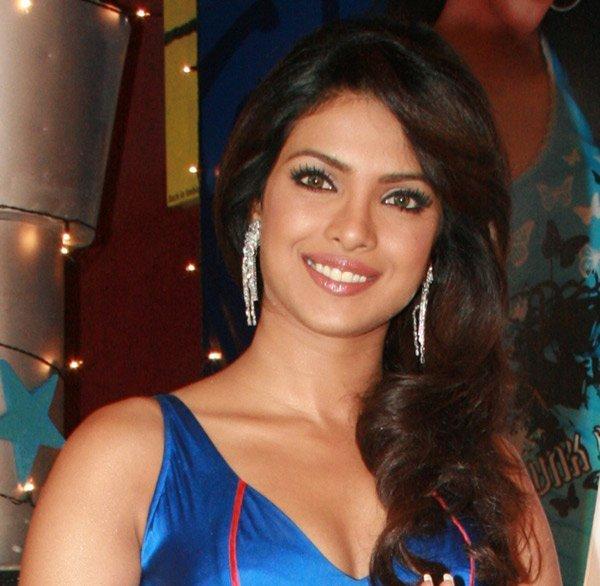 Priyanka Chopra Beautiful Smile Pic
