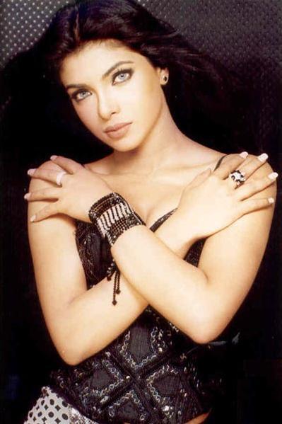 Priyanka Chopra Latest Hot Sexy Still