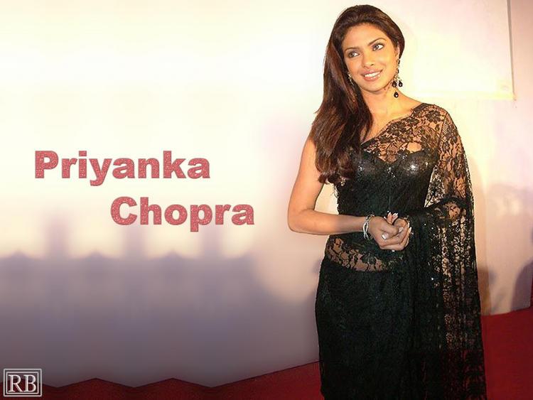Priyanka Chopra In Net Saree Sexy Pic