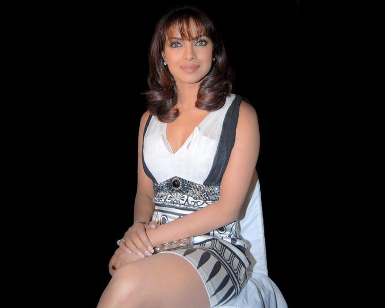 Priyanka Chopra Nice Hair Style Pic