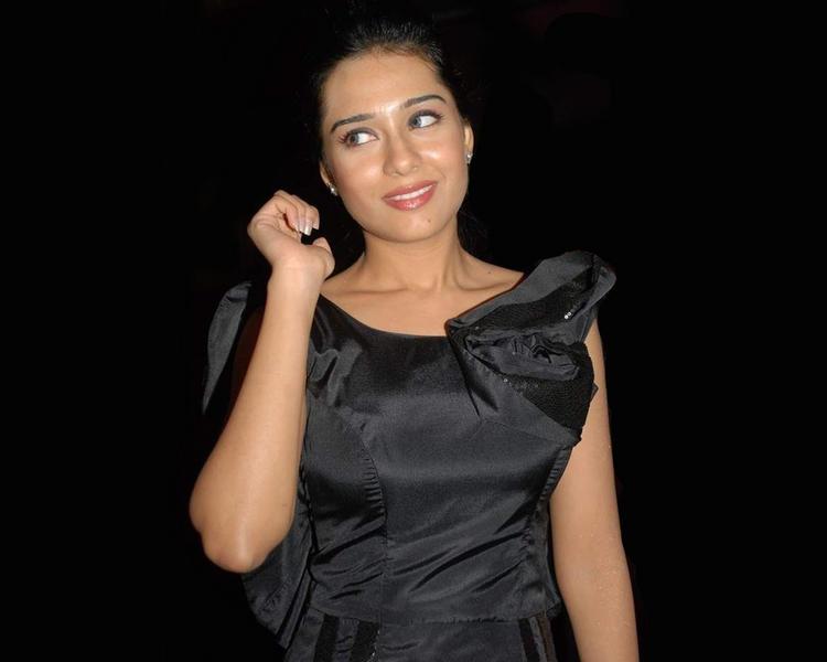 Amrita Rao Black dress Sweet Still