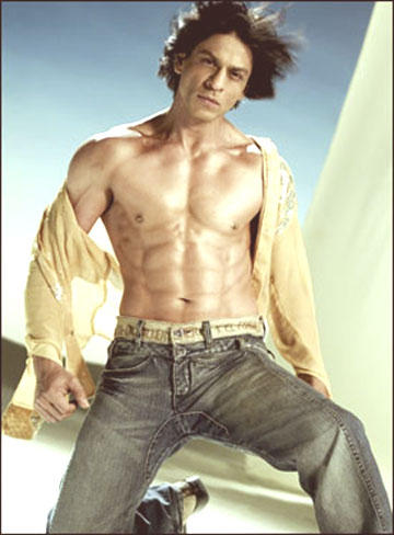 Shahrukh Khan Without Shirt In Om Shanti Om Movie