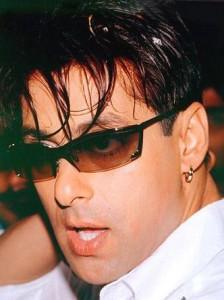 Handsome Salman Khan Wearing Goggles Hot PIcs