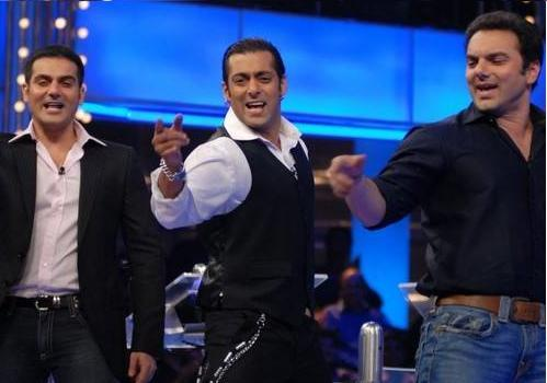 Salman Khan With His Brothers In Dus Ka Dum