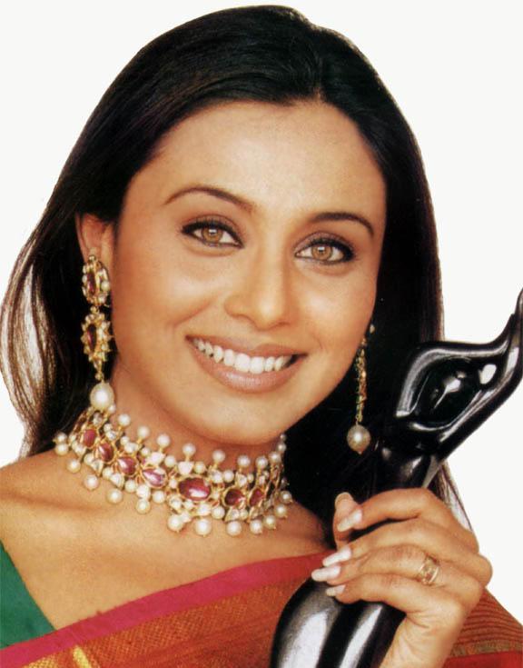 Rani Mukherjee With Idea Filmfare Award