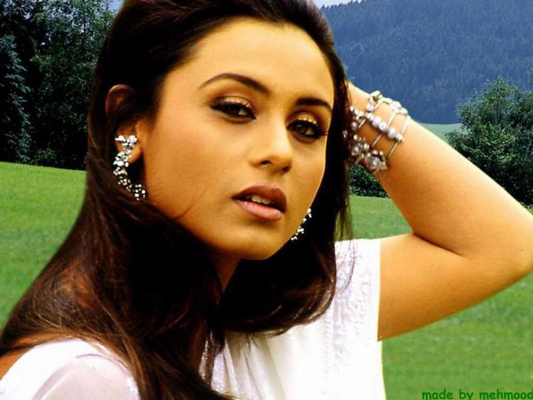 Rani Mukherjee Sizzling Hot Sexy Still