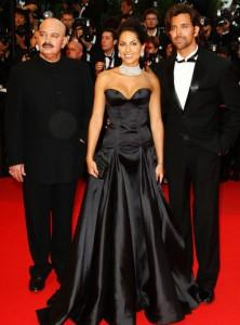 Hrithik Roshan,Barbara and Rakesh Roshan On Red Carpet