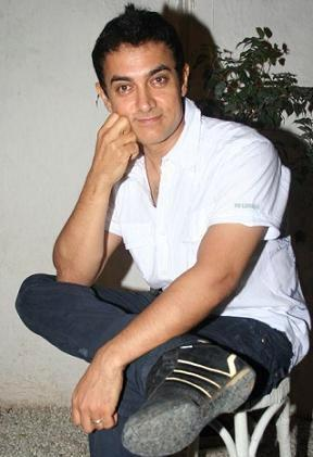 Aamir Khan Cute Pose For Photo Shoot