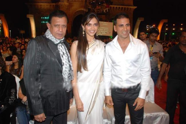 Akshay Kumar,Deepika and Mithun Ramp Still