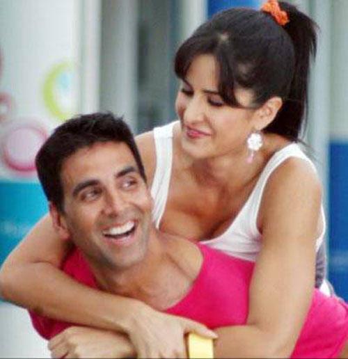 Katrina and Akshay In De Dana Dan