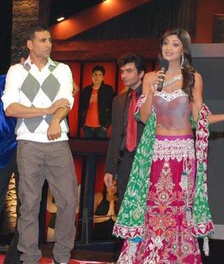 Shilpa Shetty and Akshay Kumar Rock Bigg Boss 2 Finale
