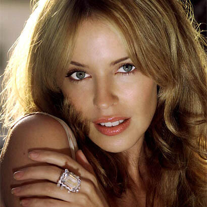 Kylie Minogue Romancing Look Photo Shoot