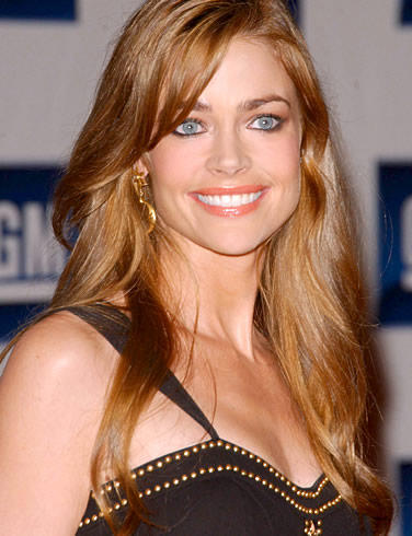 Denise Richards Sexy Eyes Look Still