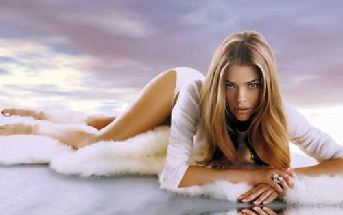 Denise Richards Spicy Pose Photo Shoot
