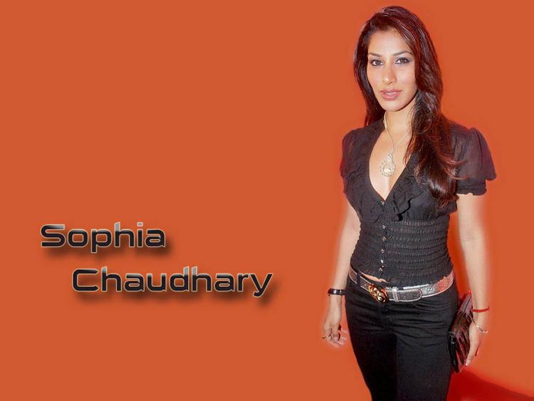 Sophia Chaudhary Cool Look Wallpaper