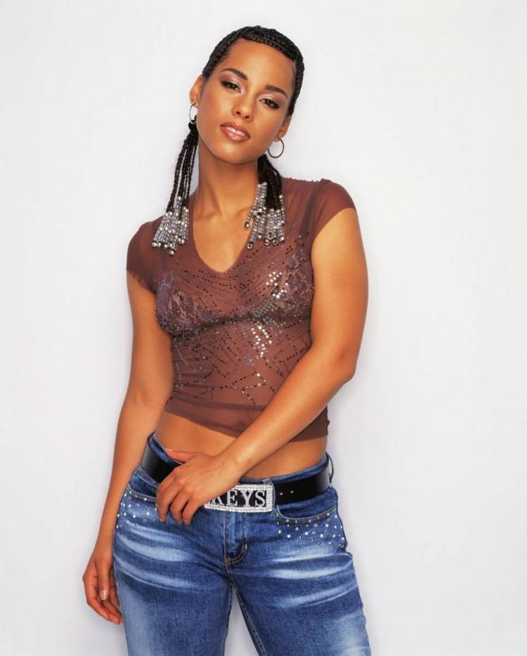 Alicia Keys Stylist Look Wallpaper
