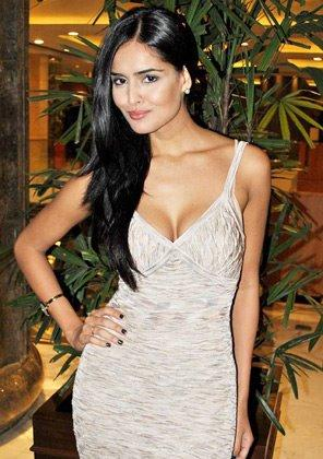 Nathalia Kaur Sexy Pic at The Promotion Of Department