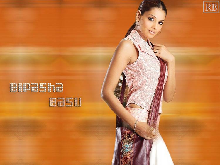 Bipasha Basu Stylist Wallpaper