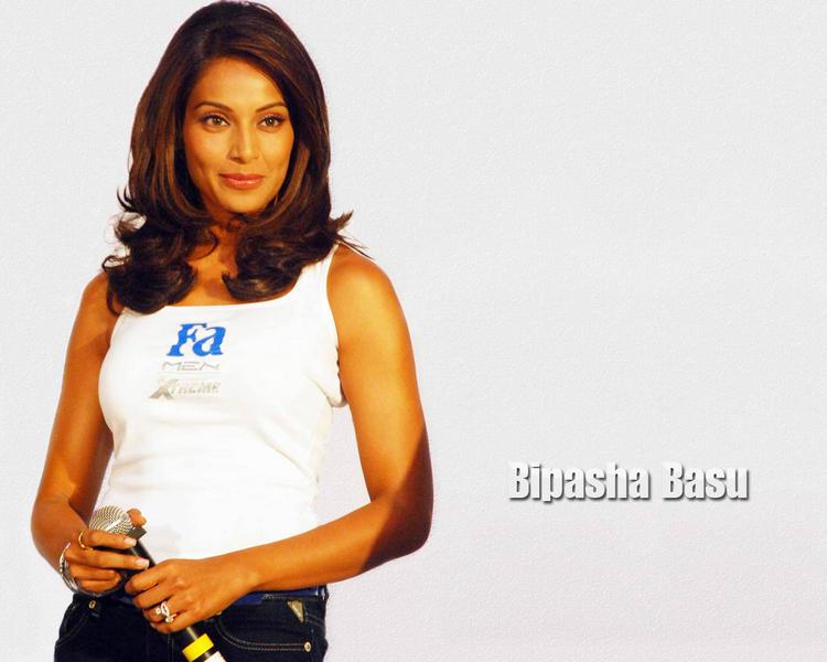 Bipasha Basu Sweet Gorgeous Pic