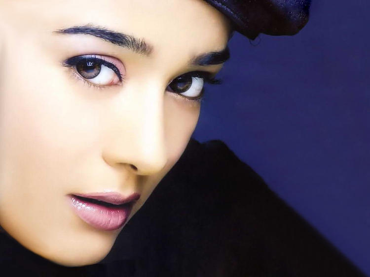 Amrita Rao Beauty Face Look Still