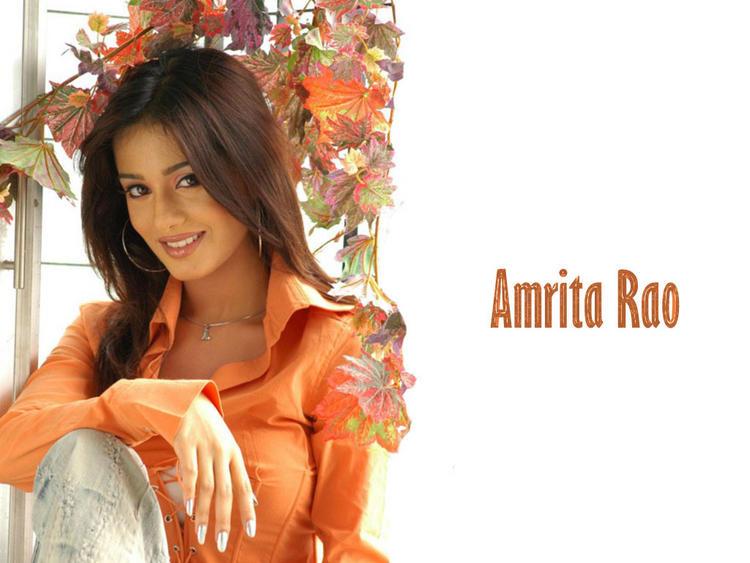 Cute Amrita Rao Wallpaper