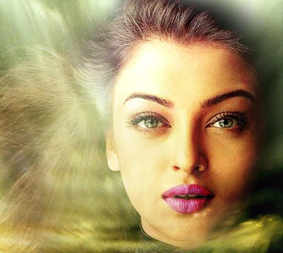Aishwarya Rai Attractive Look Wallpaper