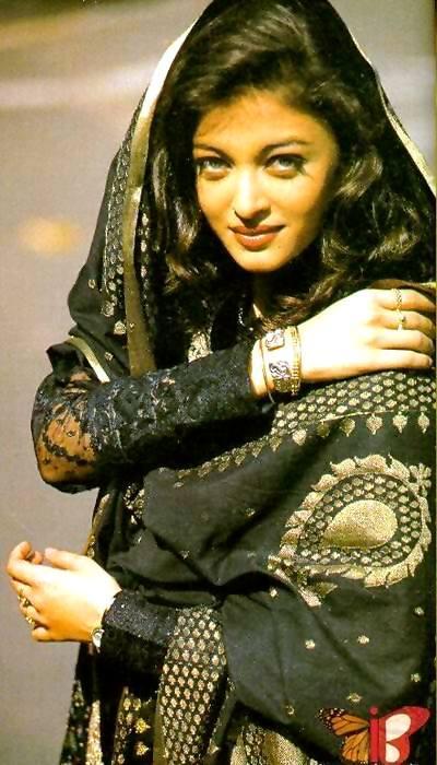 Aishwarya Rai Hot And Bold Pics