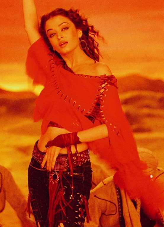 Aishwarya Rai Hot Dancing Pics