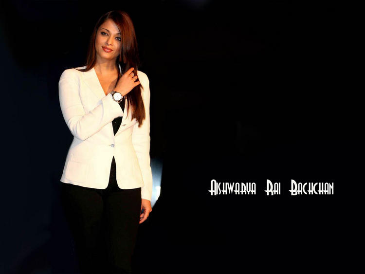 Aishwarya Rai Simple And Smart Wallpaper