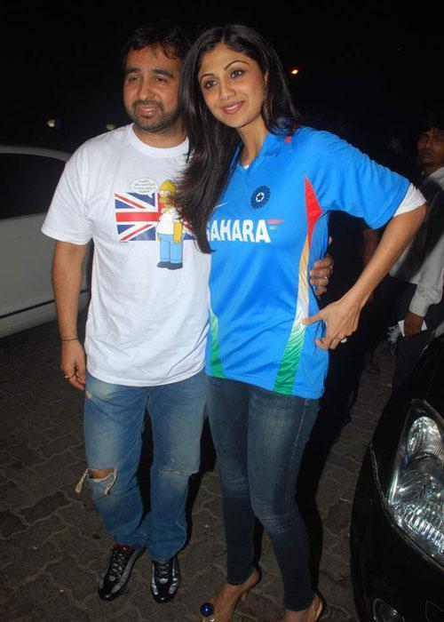 Shilpa Shetty And Raj Kundra World Cup Celebrating Photo