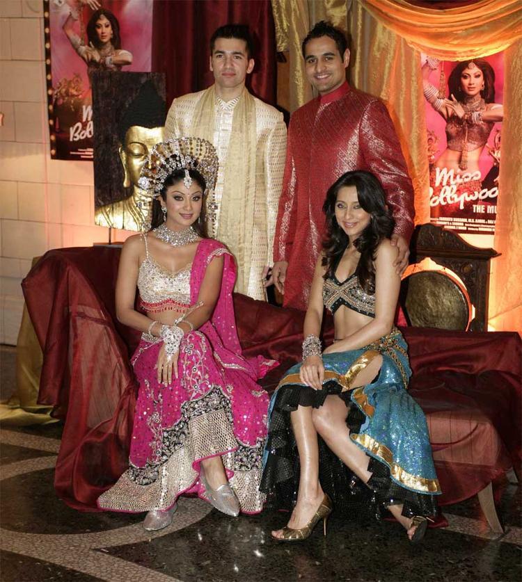 Shilpa Shetty With Anusha Dandekar Nice Pics