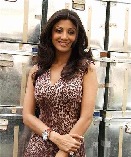 Shilpa Shetty Cool Smiling Pics