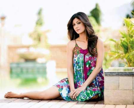Shilpa Shetty Glamour Look Wallpaper