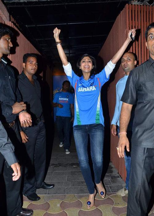 Shilpa Shetty World Cup Victory Happy Celebrating Photo