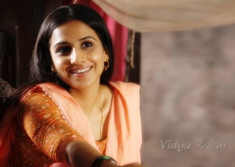 Vidya Balan Sweet Smile Pic