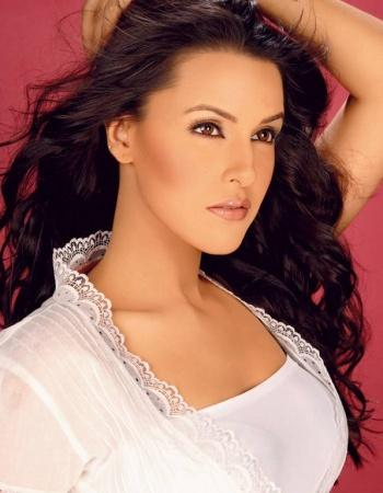 Neha Dhupia Hot Face Look Pic