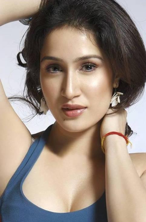 Sagarika Ghatge Attractive Face Look Wallpaper