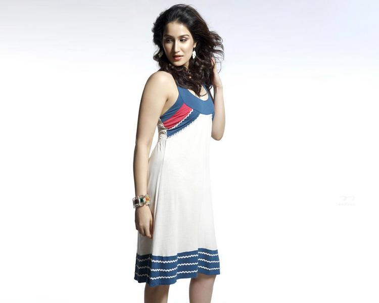 Sagarika Ghatge Short Dress Hot Wallpaper