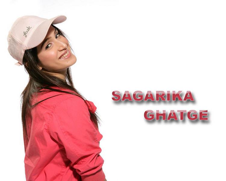 Sagarika Ghatge Smiling Wallpaper