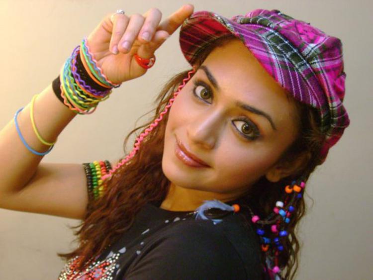 Amruta Khanvilkar Stylist And Hot Look Wallpaper