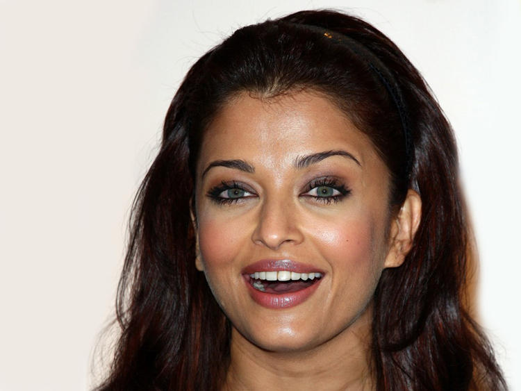 Aishwarya Rai Open Smiley Look Glamour Still