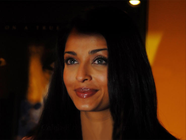 Aishwarya Rai Sweet Close Up Pic