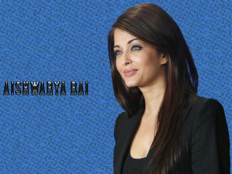 Aishwarya Rai Sweet Face Look Wallpaper