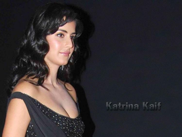 Katrina Kaif Open Boob Show Wallpaper